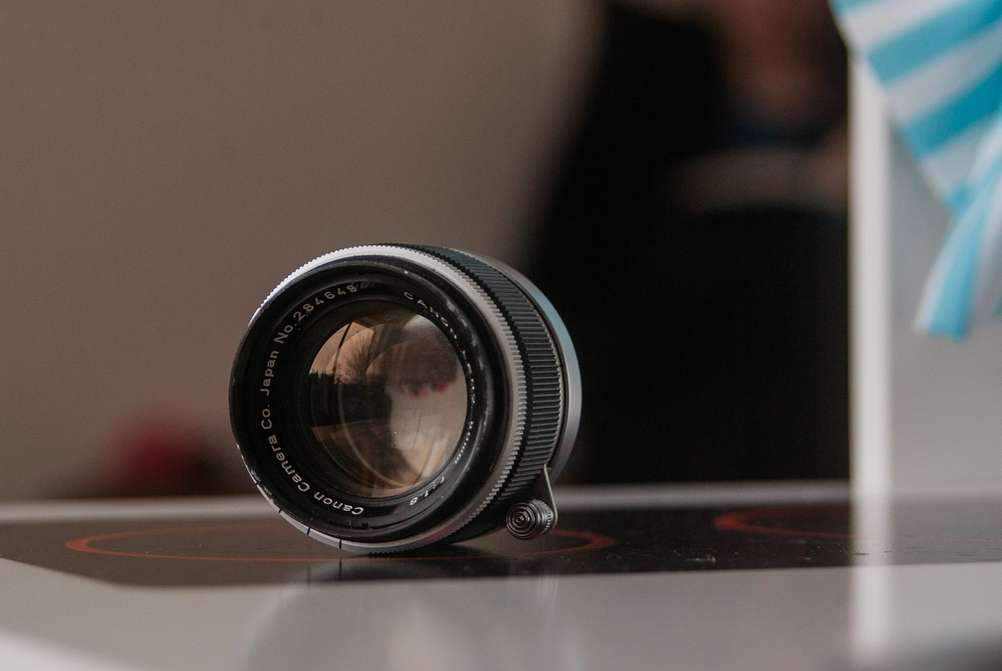 Photo of Canon 50mm f1.8 LTM lens.