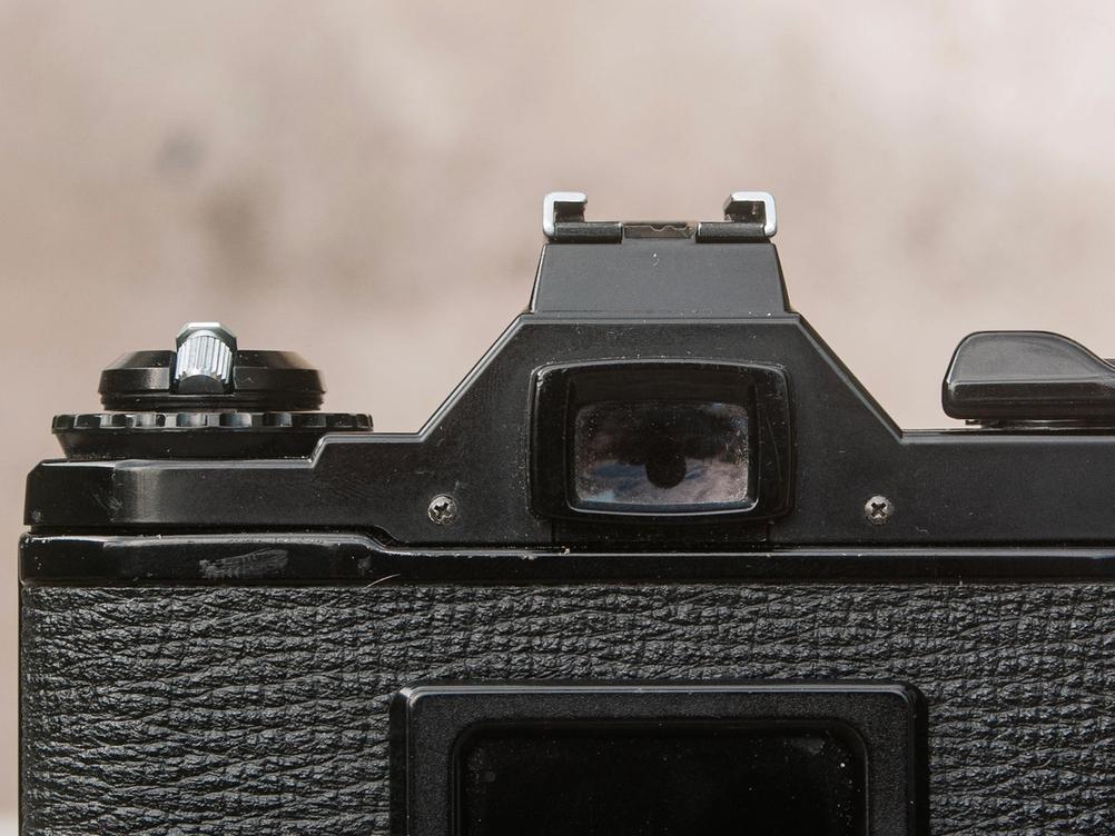 Photo of Pentax MV1 viewfinder.