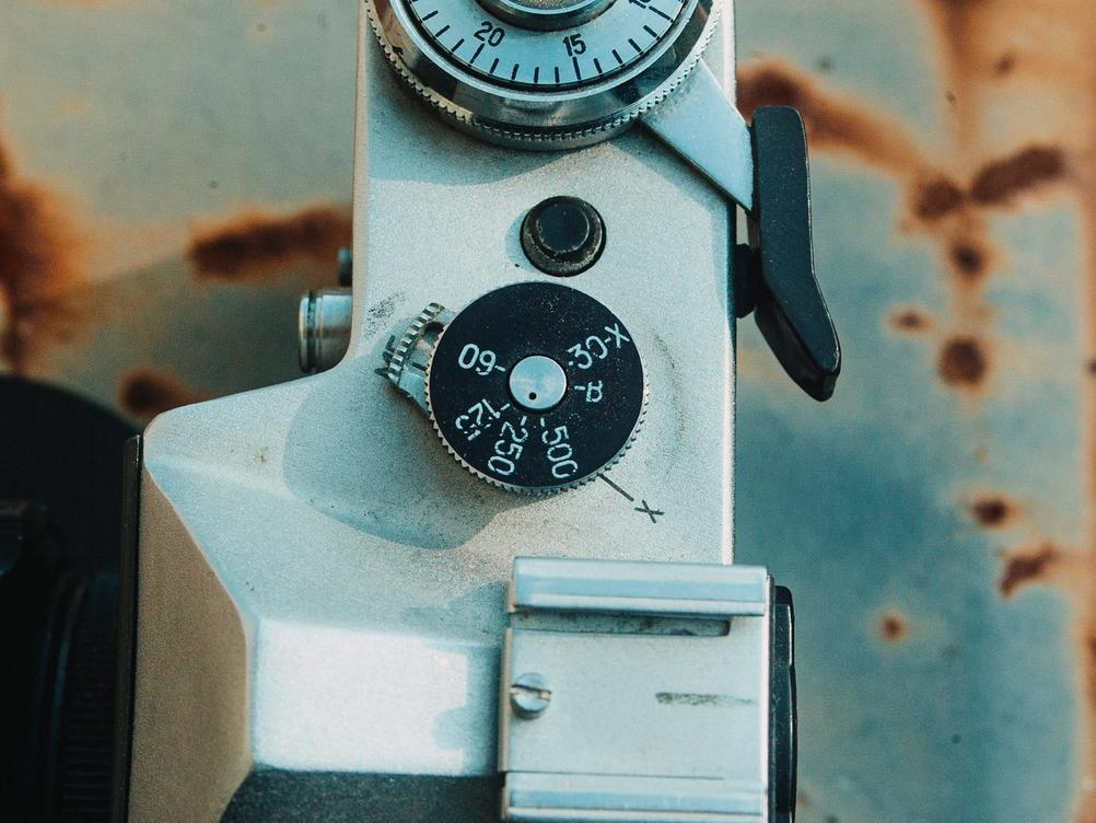 Photo of Zenit-E exposure time dial.