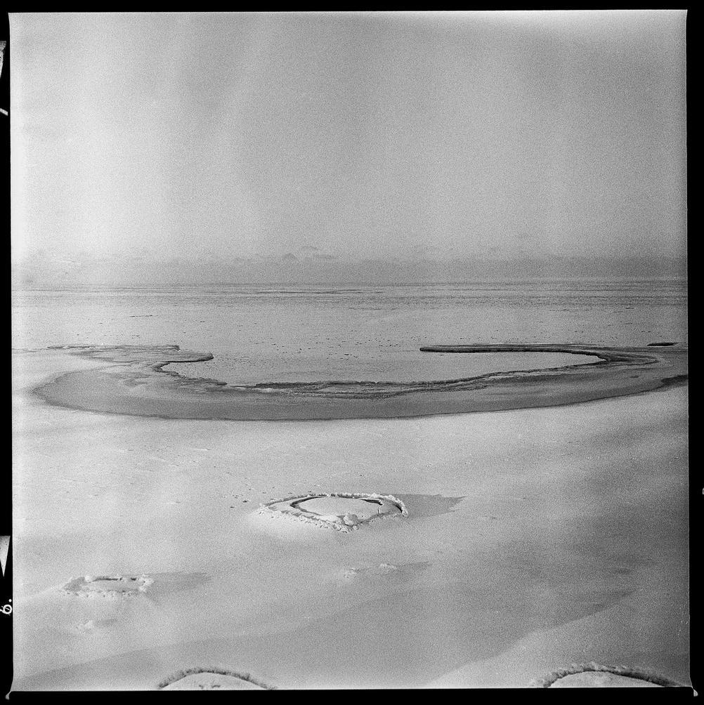 Photo of a cold beach.