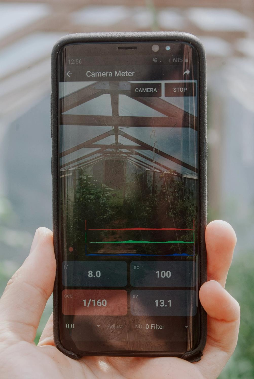 """Photo of light metering functionality of the """"Light Meter"""" Android app."""