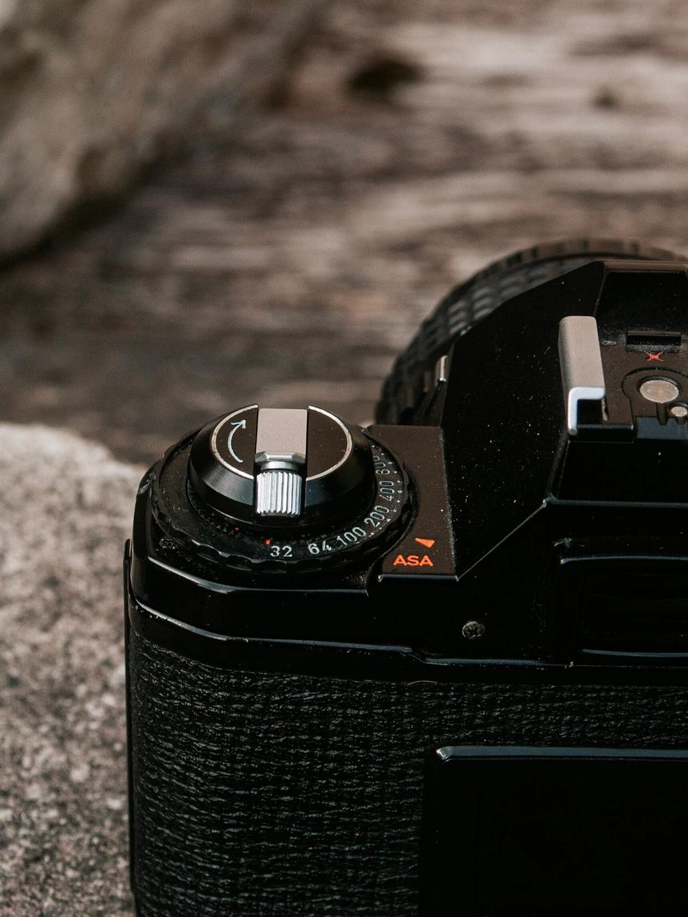 Photo of Pentax MV1 ISO dial.