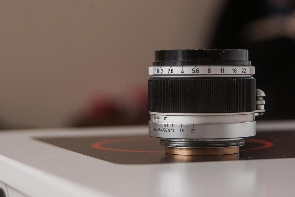 Closeup photo of Canon 50mm f1.8 LTM lens.