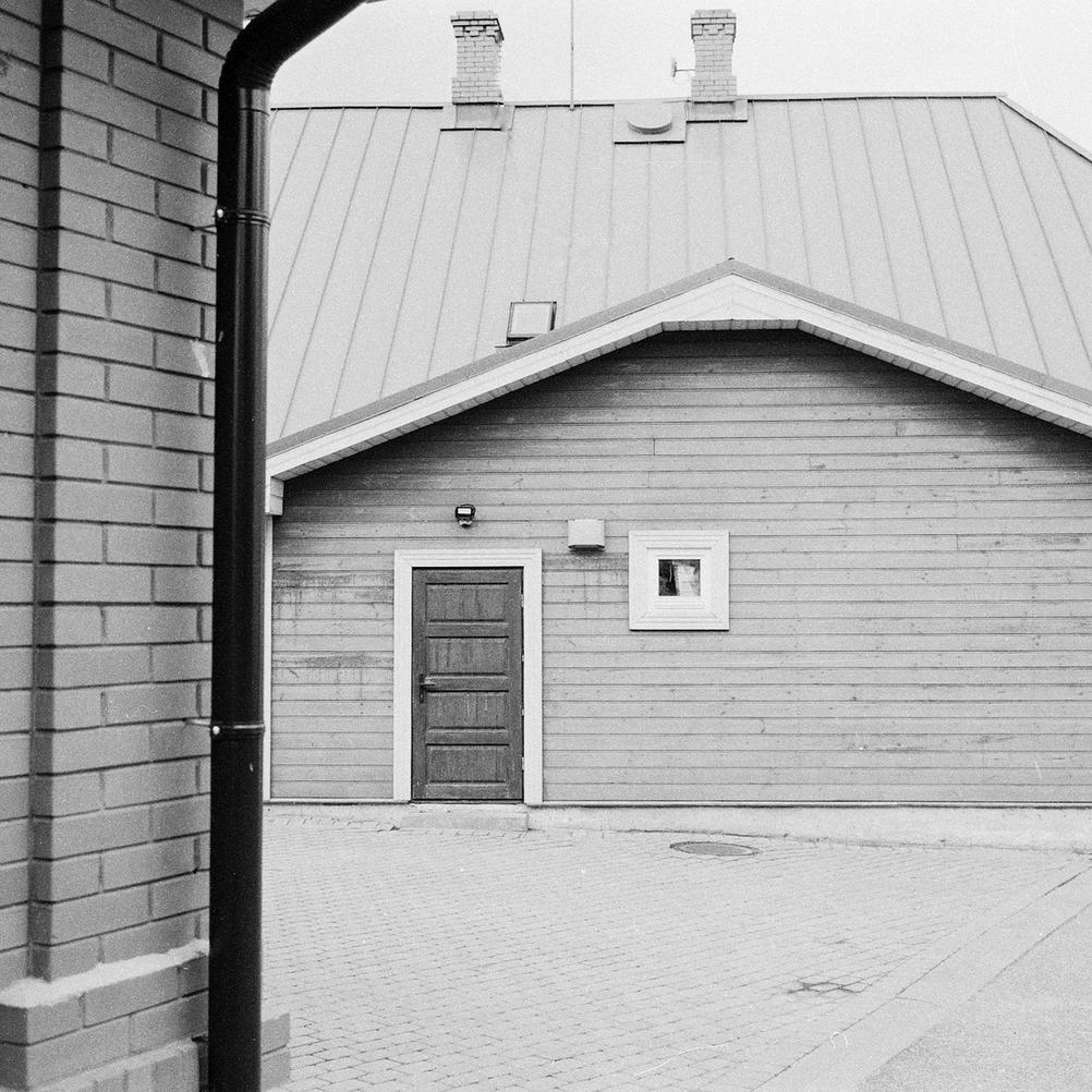 Photo of a door.
