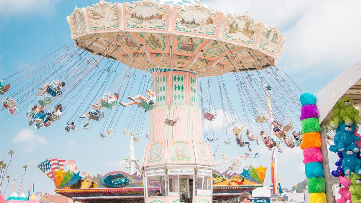 Social amusement park