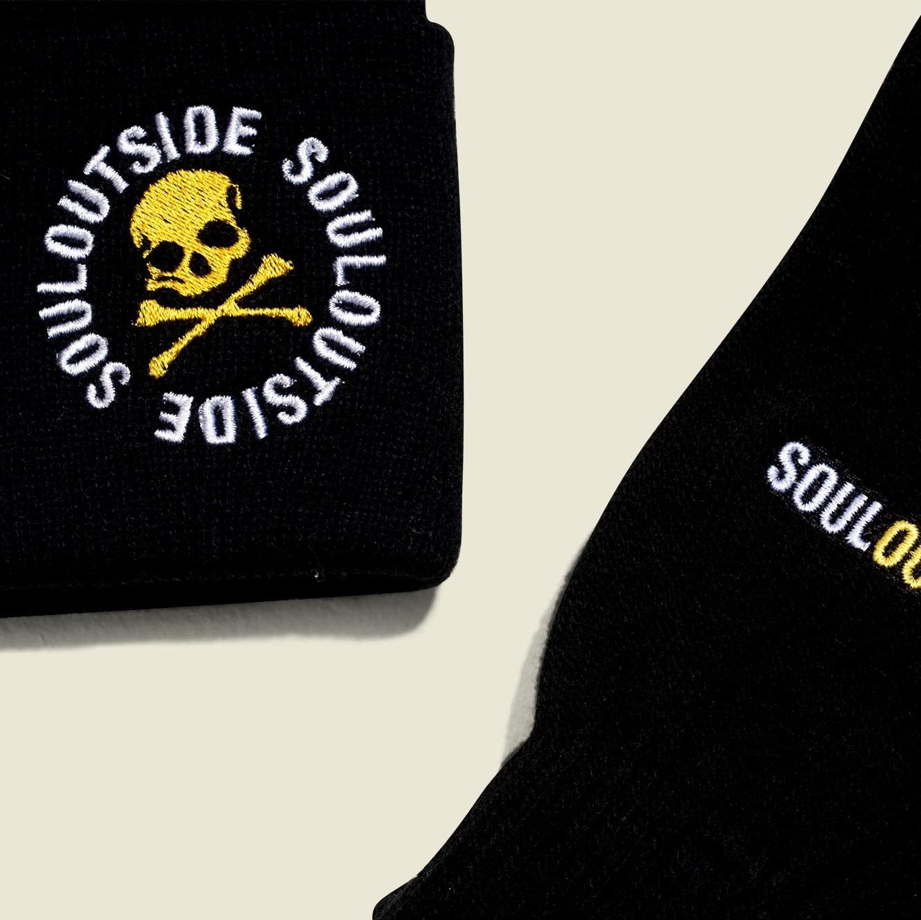 Black beanie with gloves