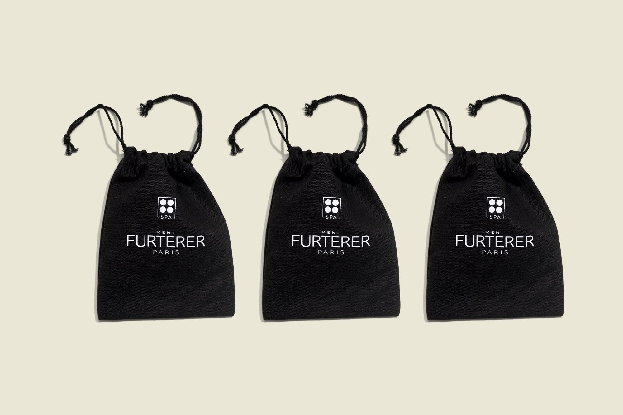 3 Drawstring pouches