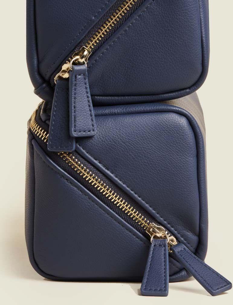 Standing zip pouches