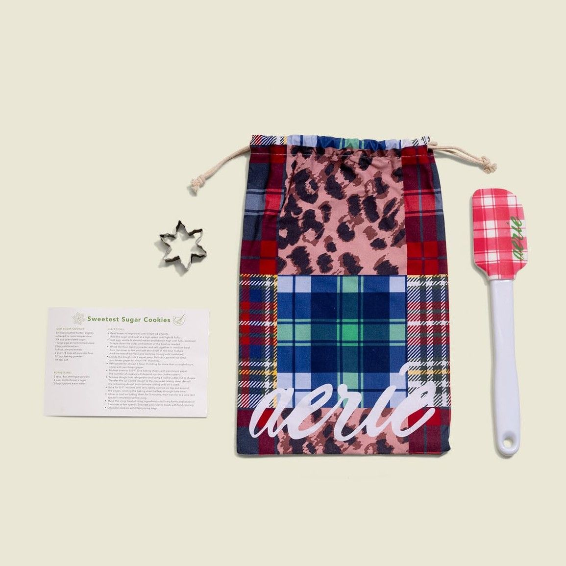 Drawstring pouch with shape cutter and silicone spatula