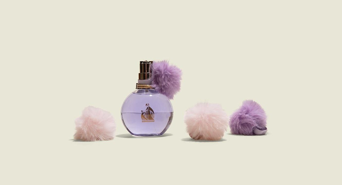 Round perfume bottles with changeable fluffy accessory