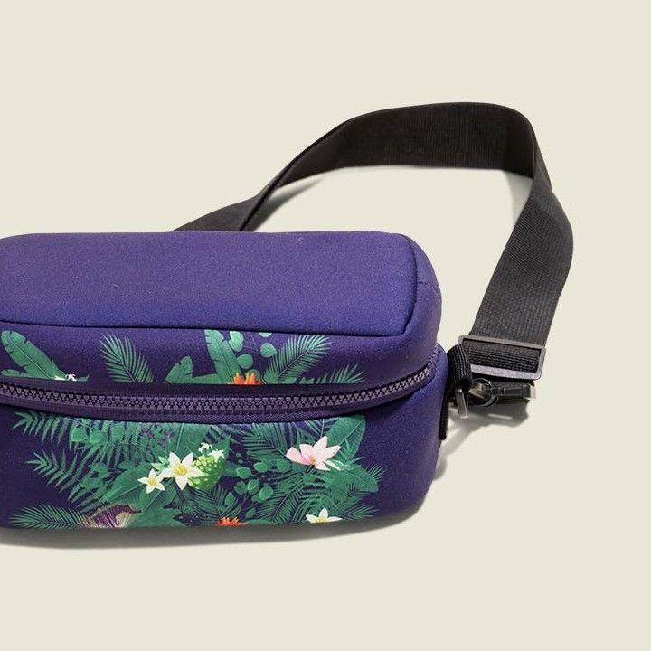 Standing zip pouch with string