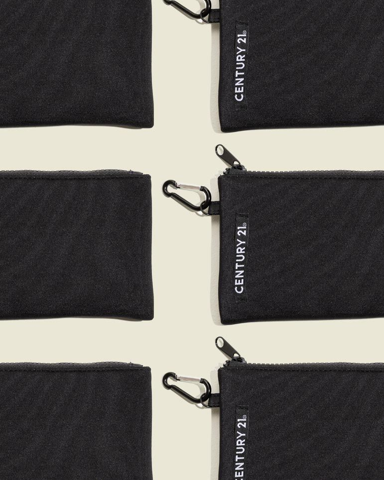 Flat zip pouch with clasp