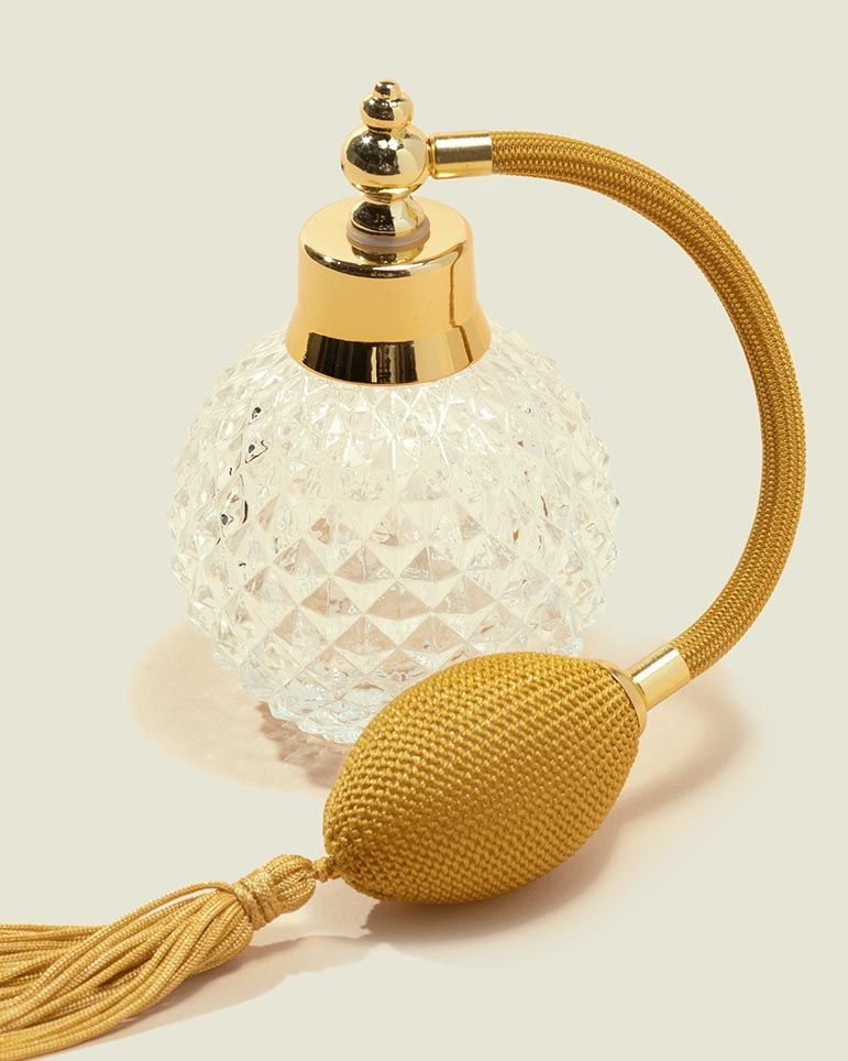 Perfume bottle with atomizer