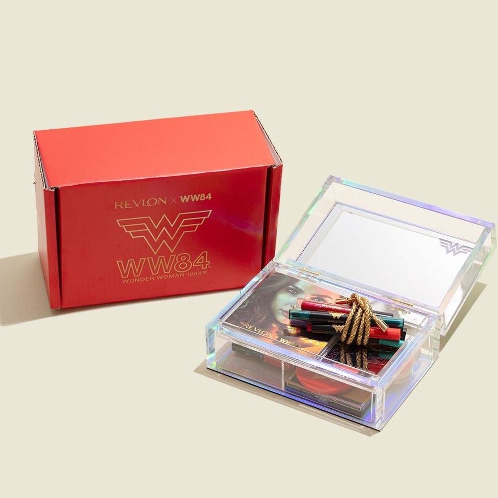 Custom packaging with hinged box and beauty products