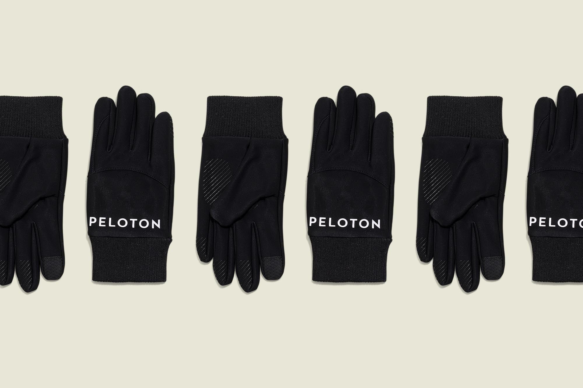 Set of gloves