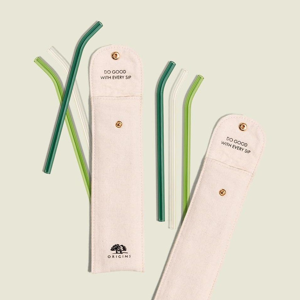 Metal straw pouch with metal straws