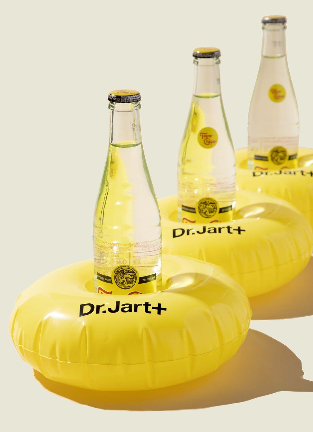 Set of floats carrying drink