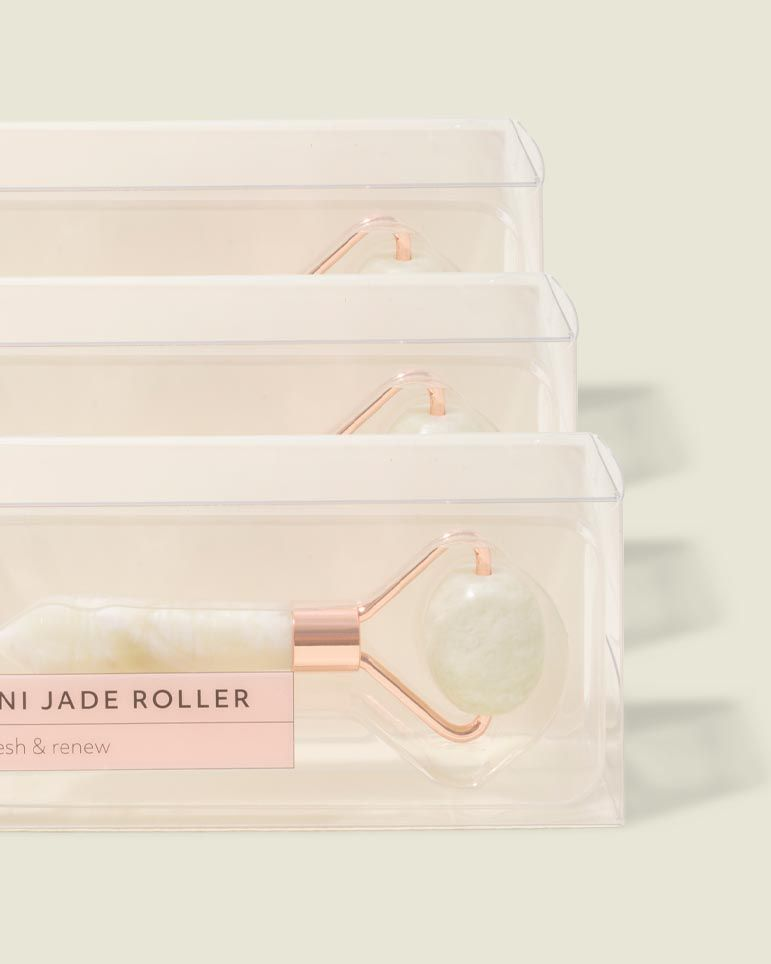Custom packaging with jade rollers