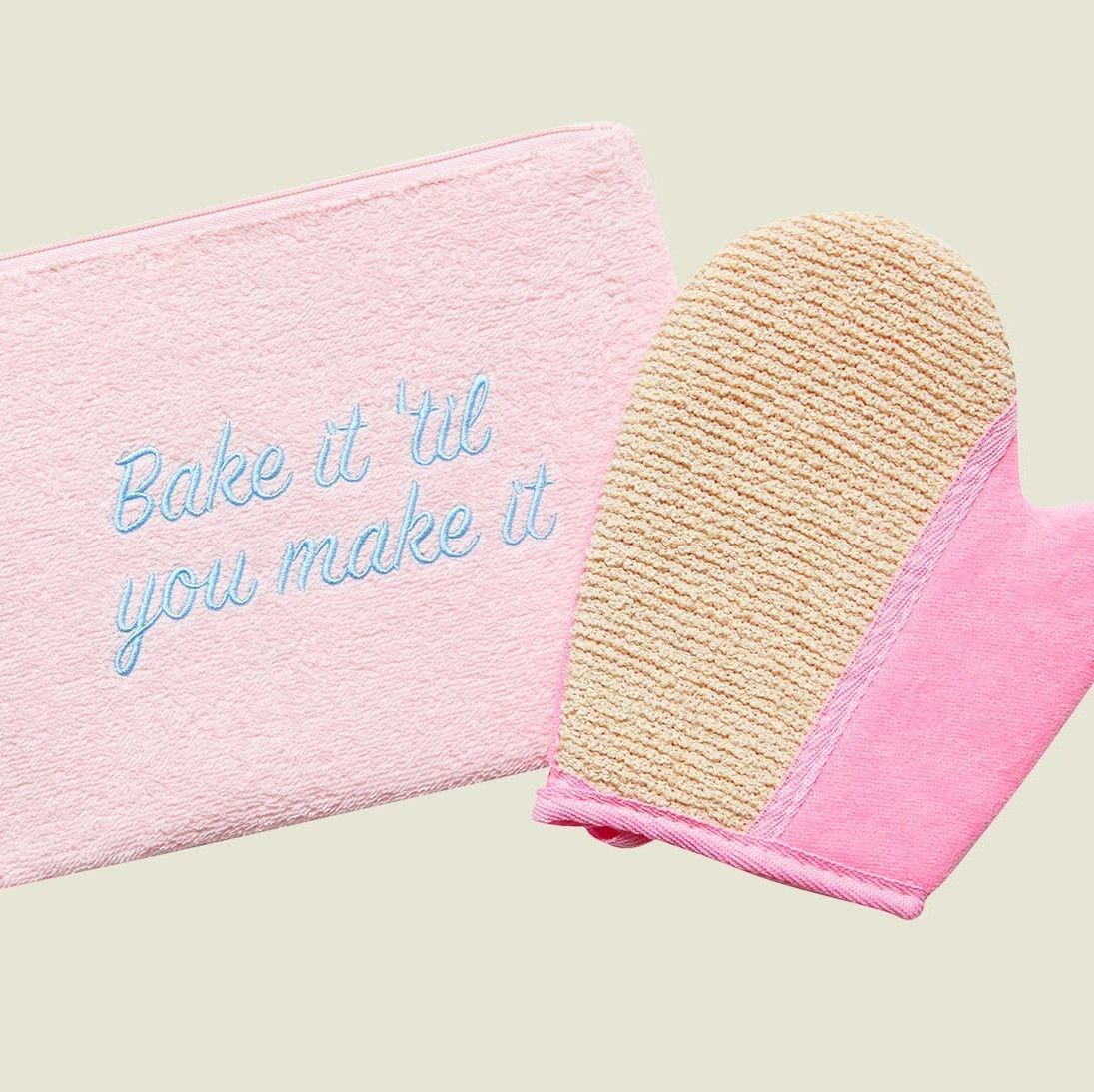 Flat zip pouch with mitten