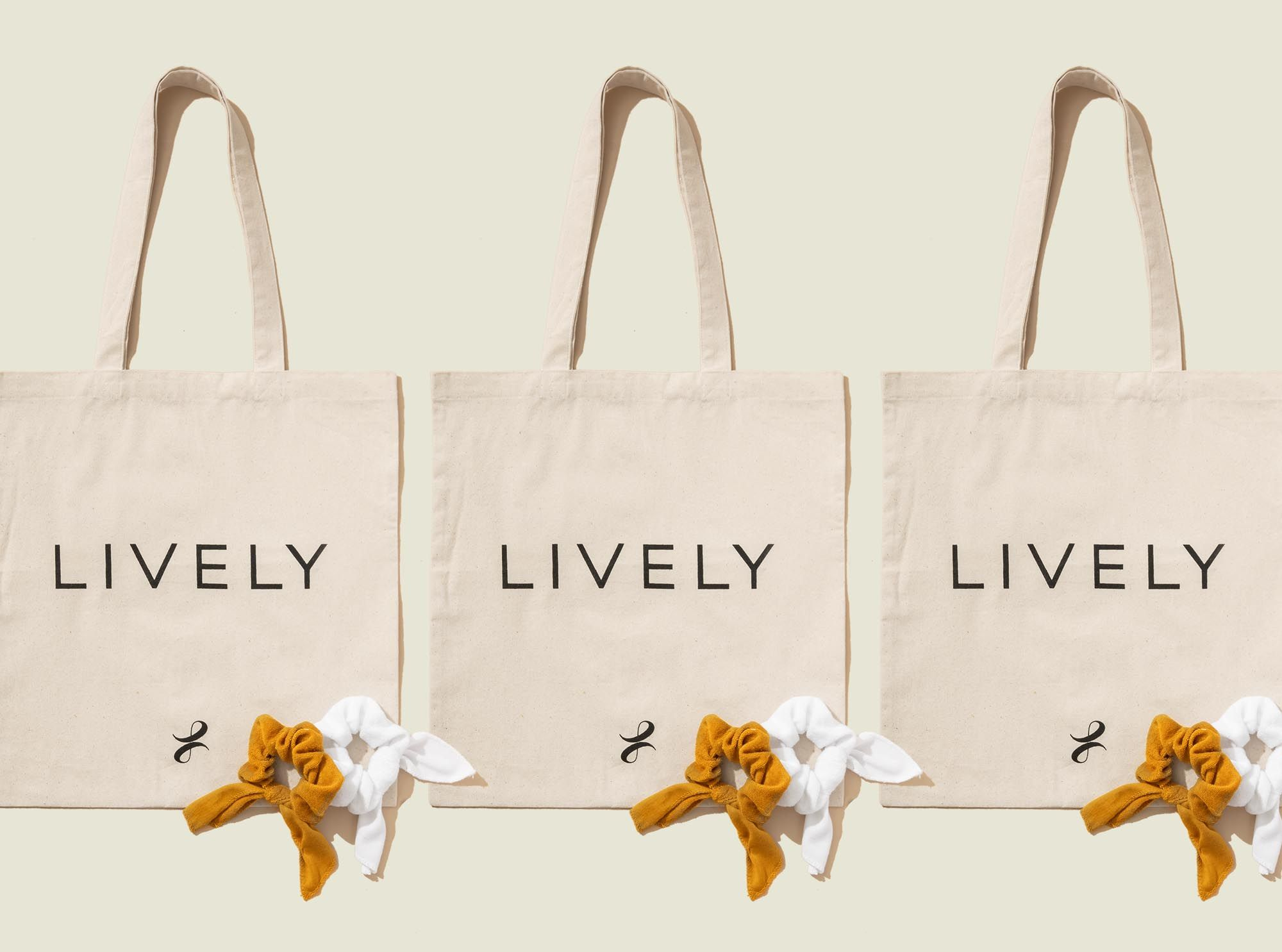 Tote bags with scrunchies