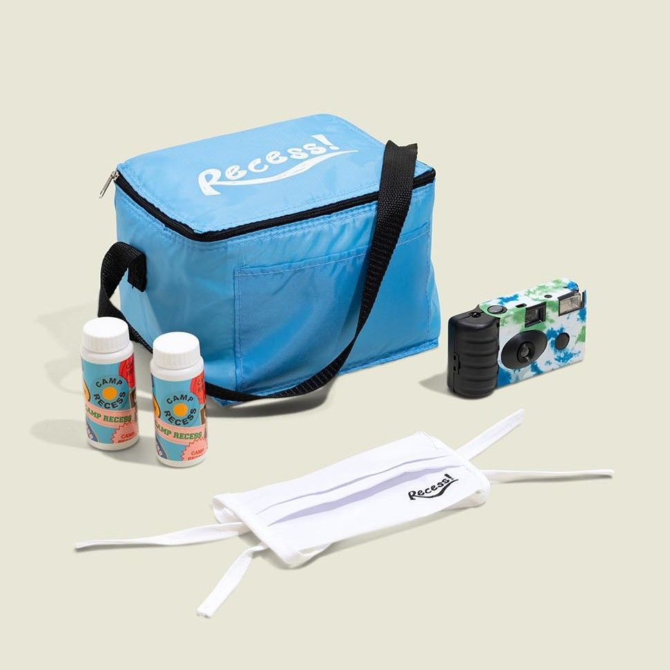 Standing tote bag with accessories