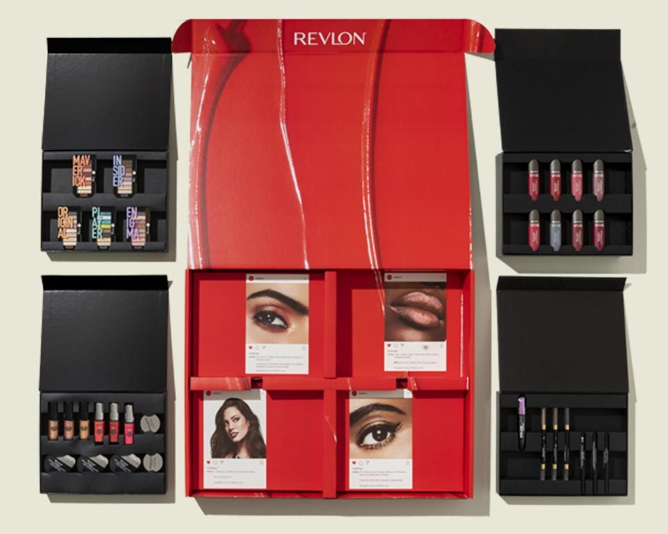 Custom hinged boxes with makeup products