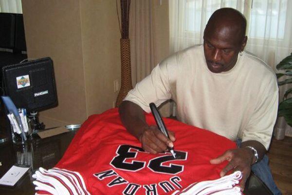 Michael Jordan autograph signing