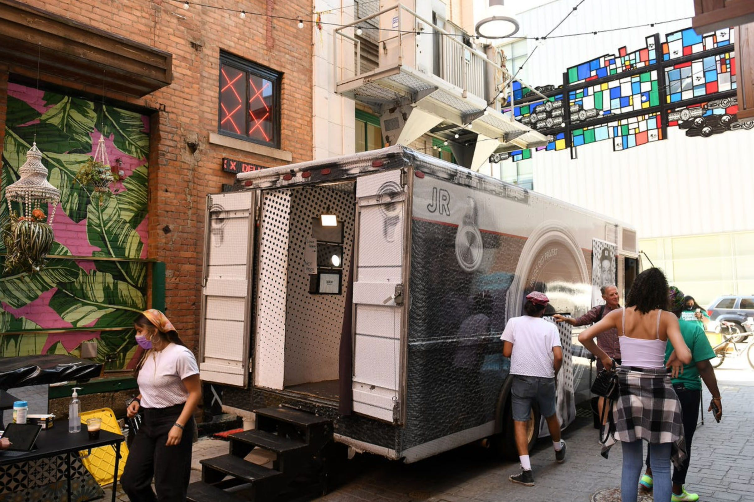 Public art installation tour stops in Detroit to raise awareness about immigration