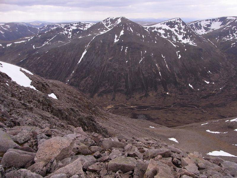 highest mountain in scotland uk