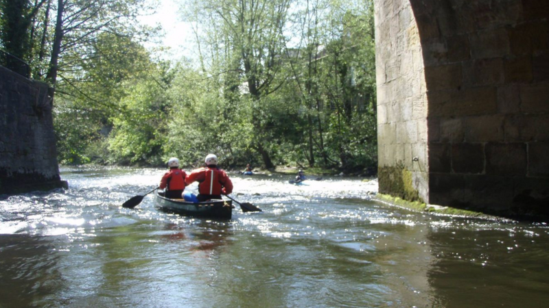 kayaking-in-peak-district