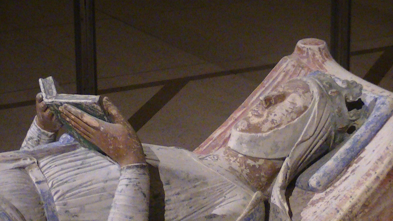 Eleanor of Aquitaine effigy.