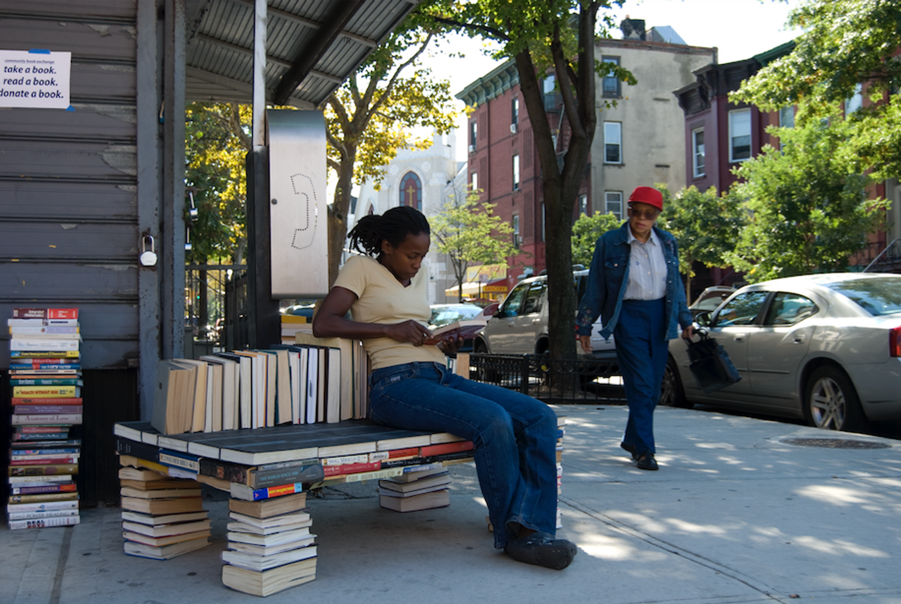 Stephanie Dinkins, The Book Bench Project, 2007