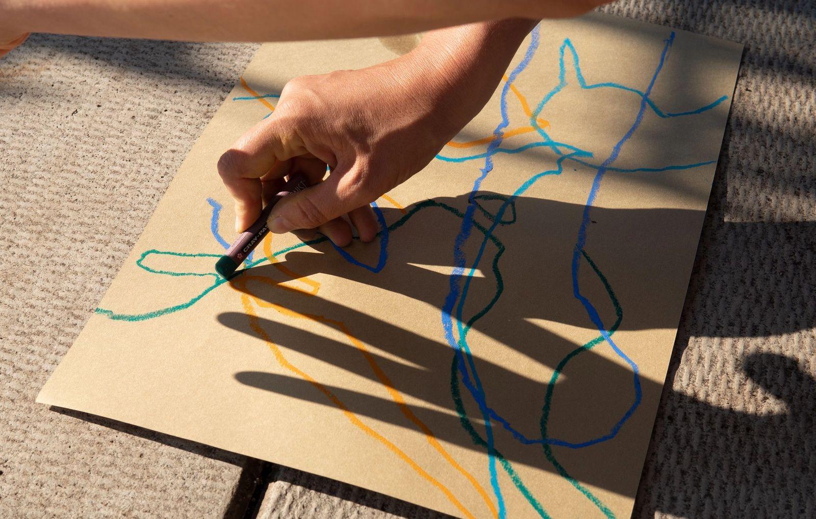 Shadow drawing by Tamar Ettun