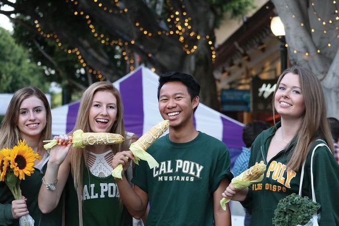 Cal Poly Students at Farmer's Market