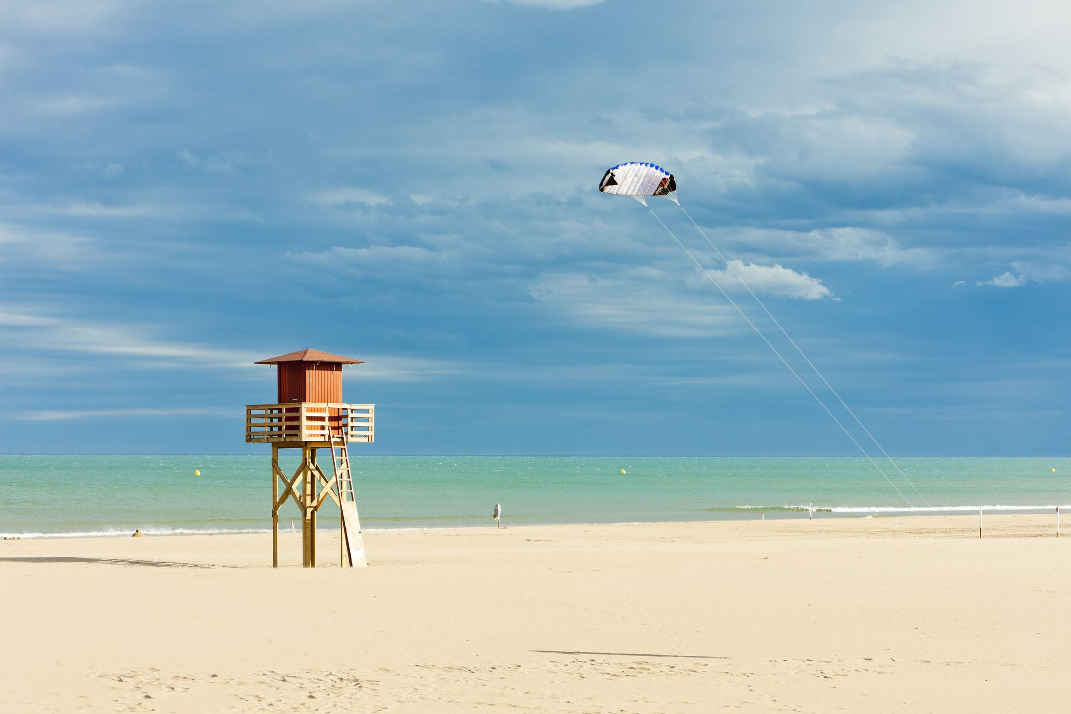 kitesurfing France kitespot Gruissan ripatrip travel big