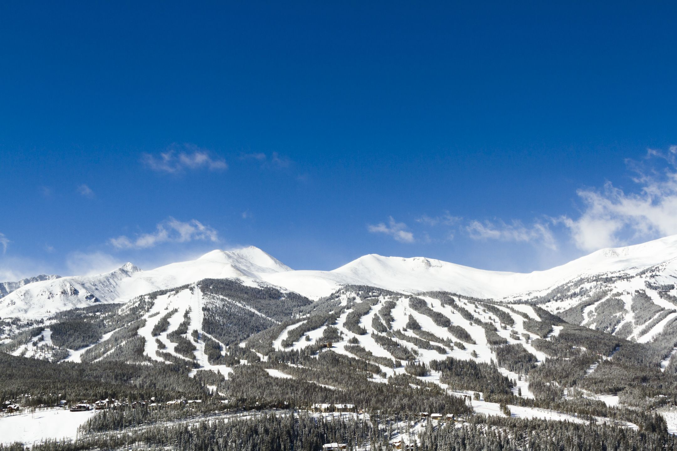 Skiing United States ski resort Breckenridge ripatrip travel big