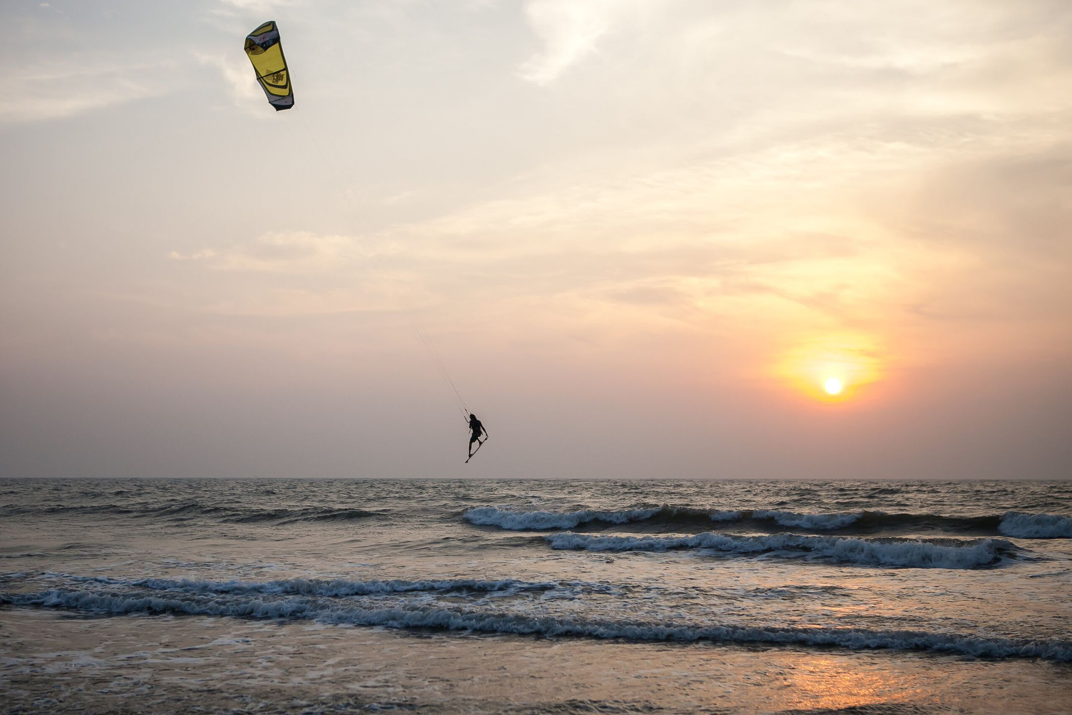 kitesurfing India kitespot Goa ripatrip travel big