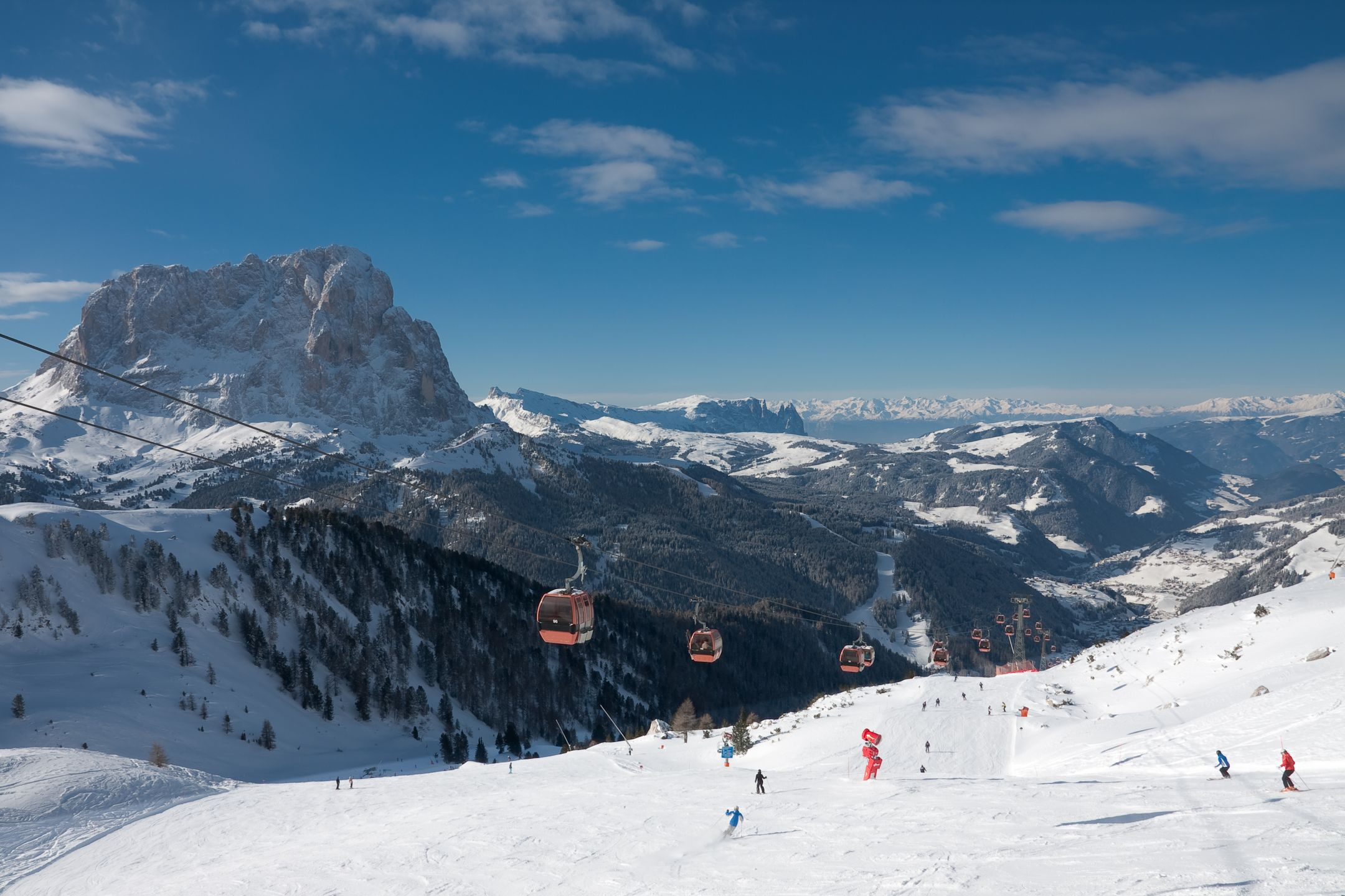 Skiing Italy ski resort Val Gardena ripatrip travel big
