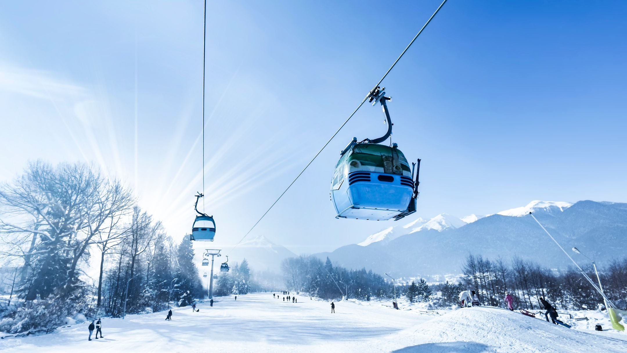Skiing Bulgaria ski resort Bansko ripatrip travel big