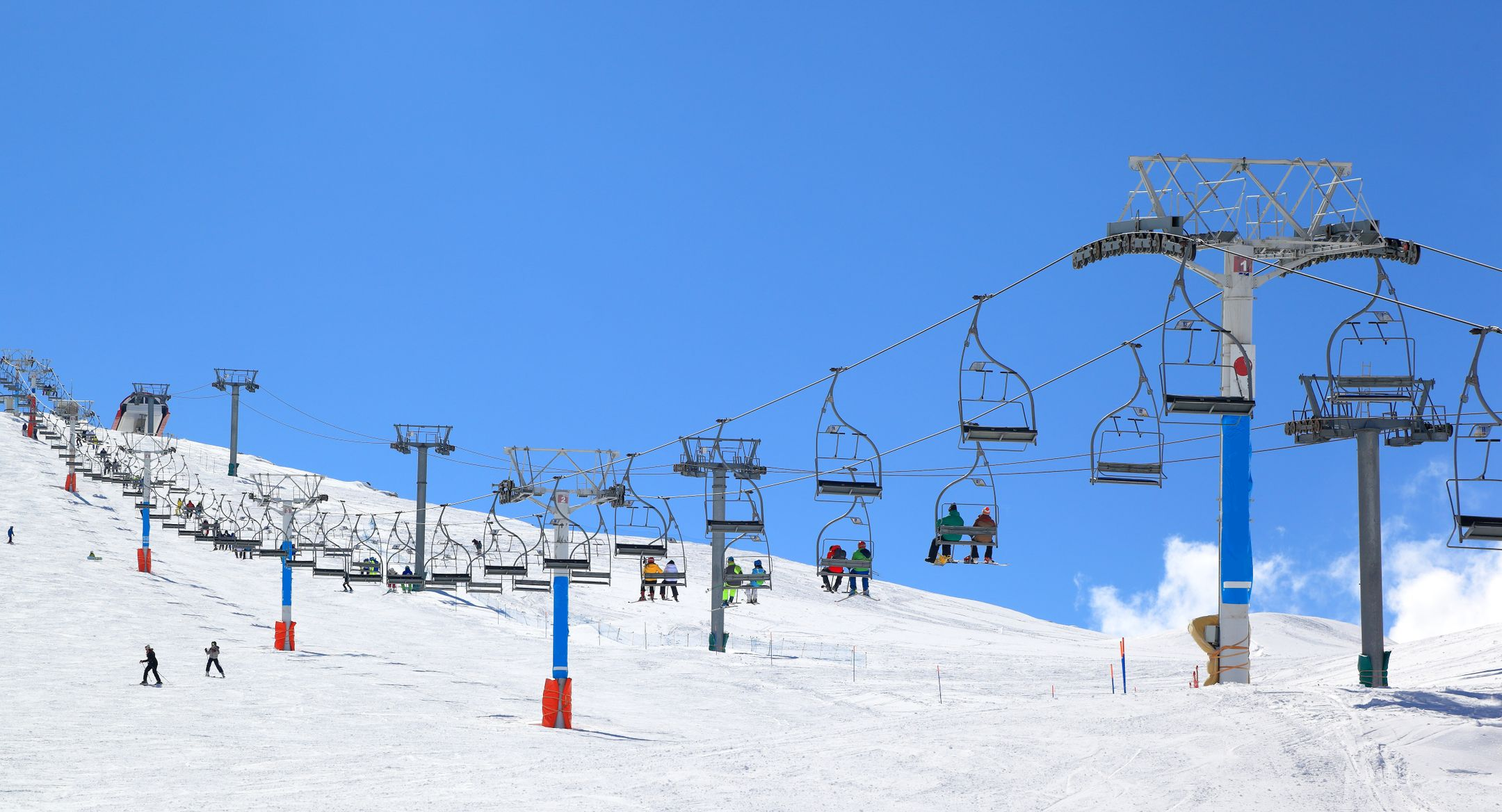 Skiing Lebanon ski resort Mzaar  ripatrip travel big