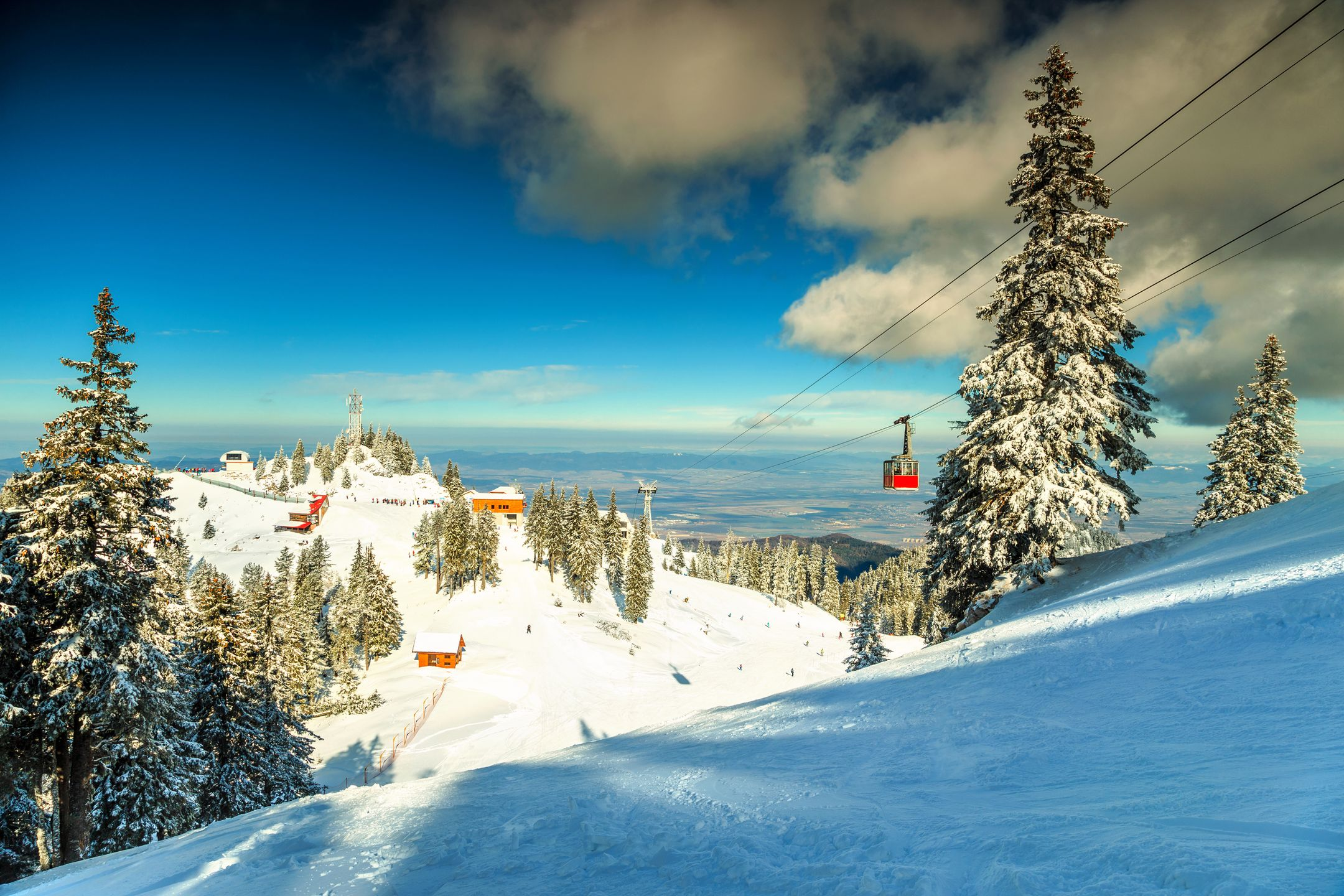 Skiing Romania ski resort Poiana Brasov ripatrip travel big