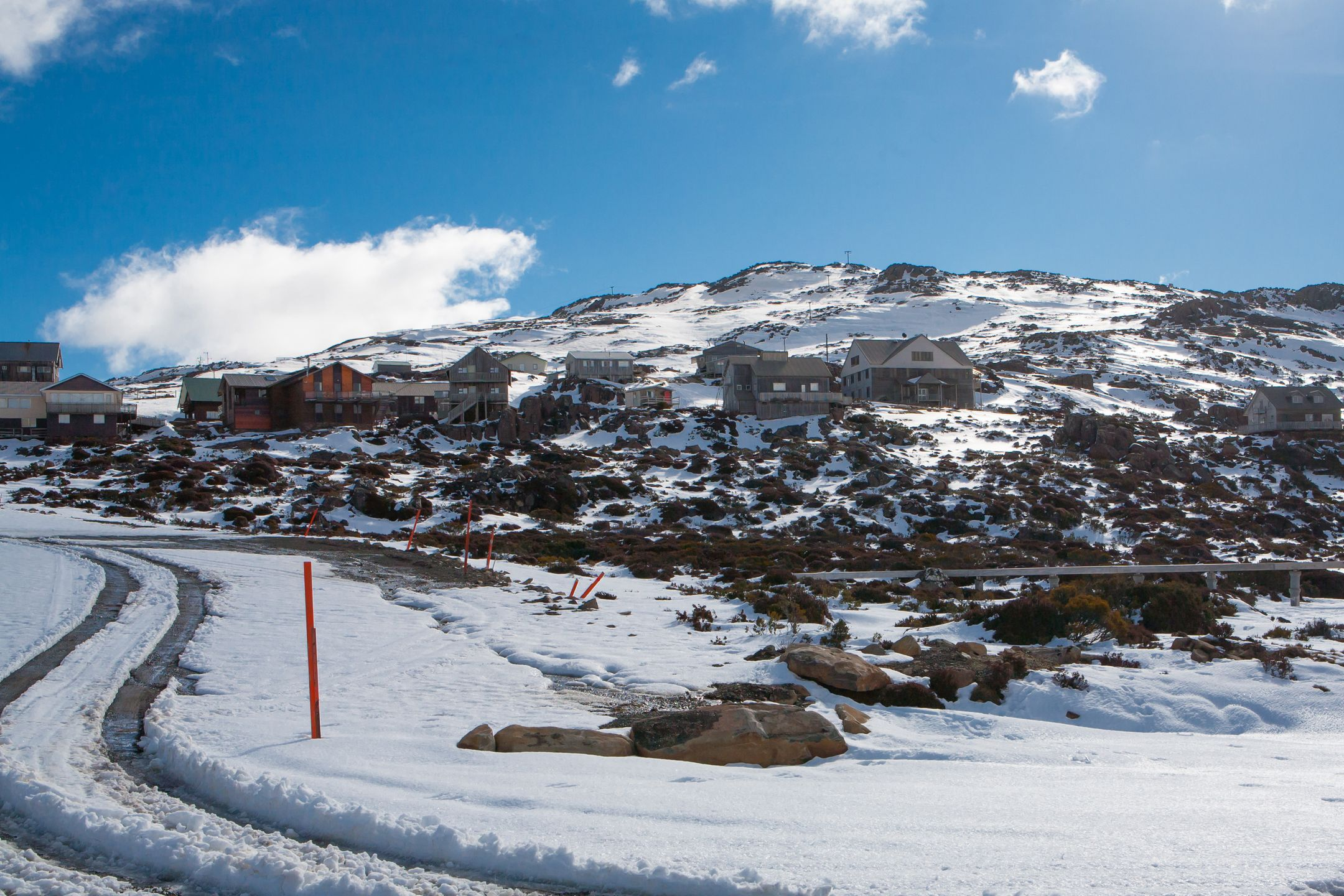 Skiing Australia ski resort Ben Lomond ripatrip travel big