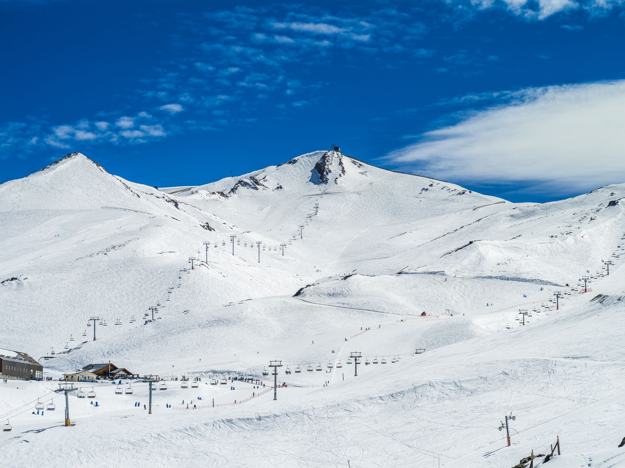 Skiing Chile ski resort Valle Nevado ripatrip travel big