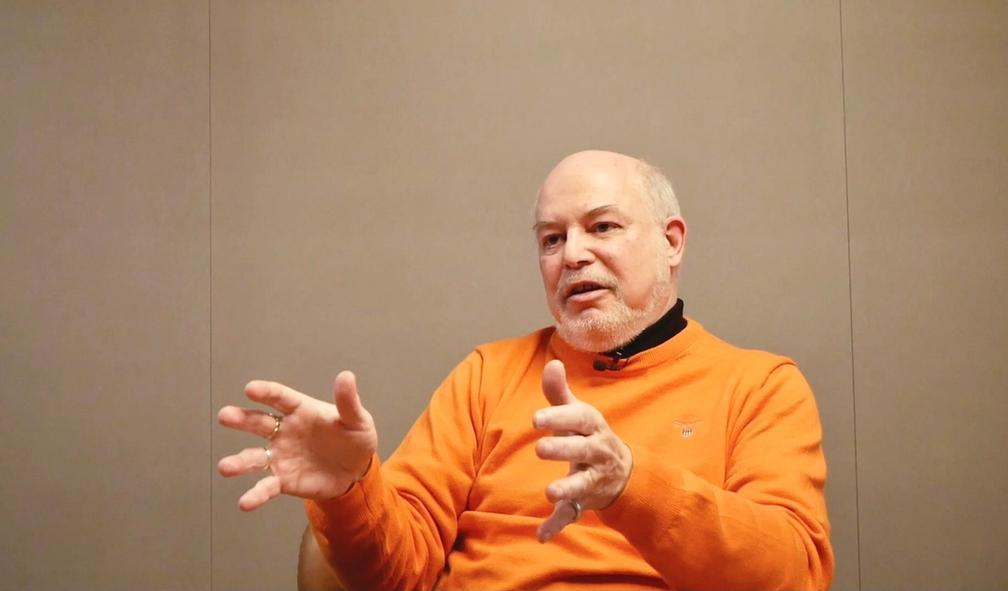 Lars Elton er Norges lengstsittende og mest erfarne kunstkritiker