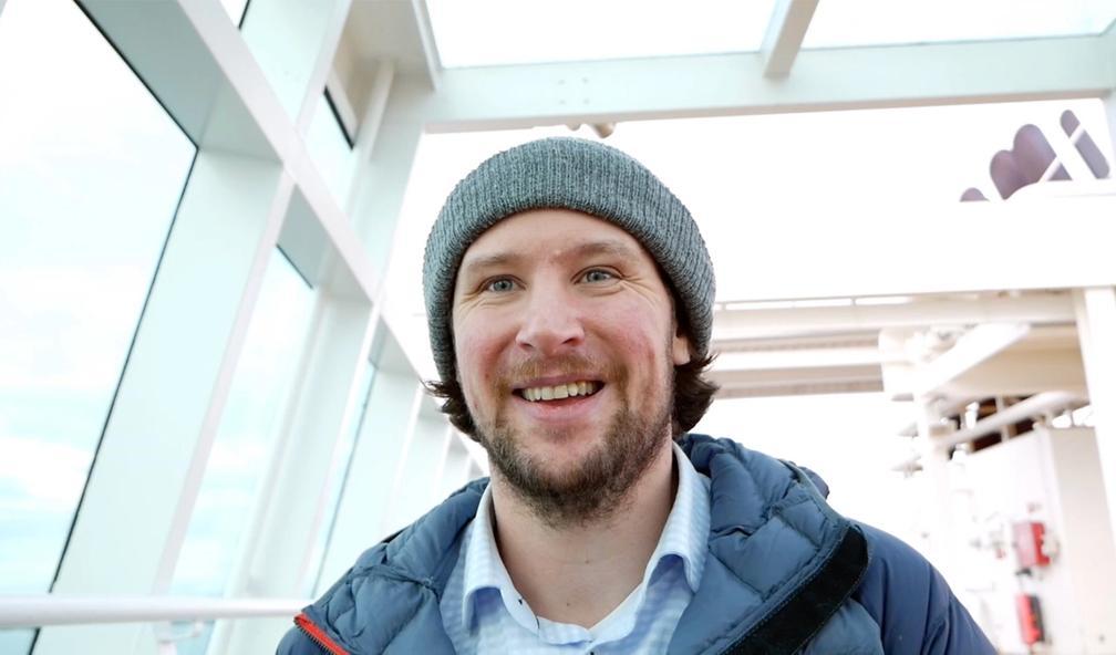 Morten Landmark lager kunst av gamle skip. Panama 1/4