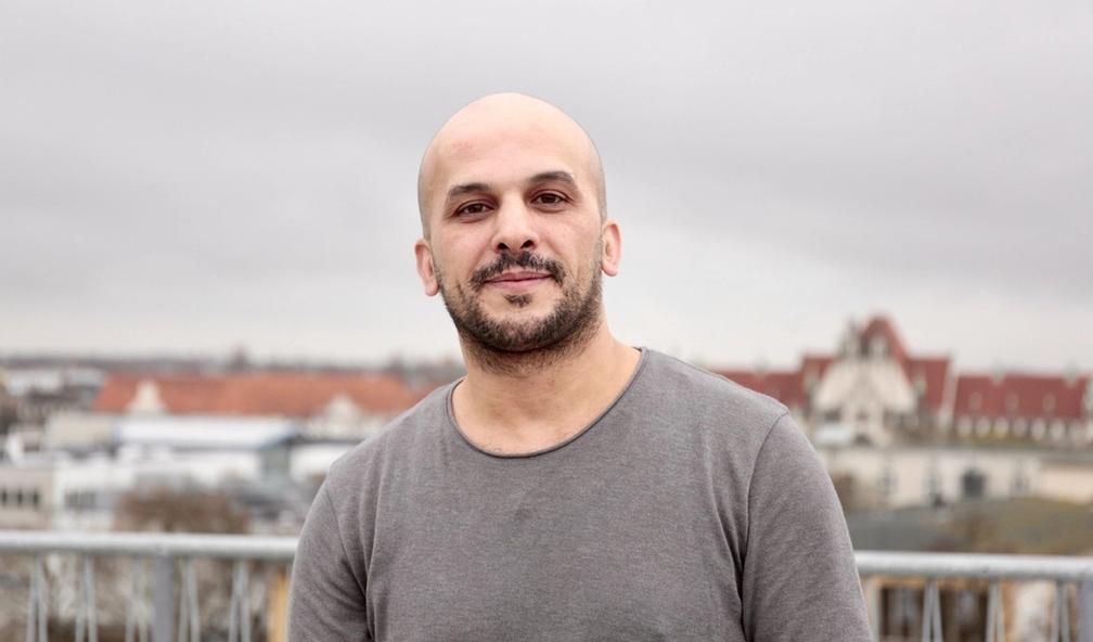 Khaled Barakeh lager Syrias første kunstbiennale