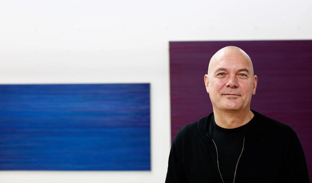 Lars Strandh rendyrker fargen og linjen i kunsten sin