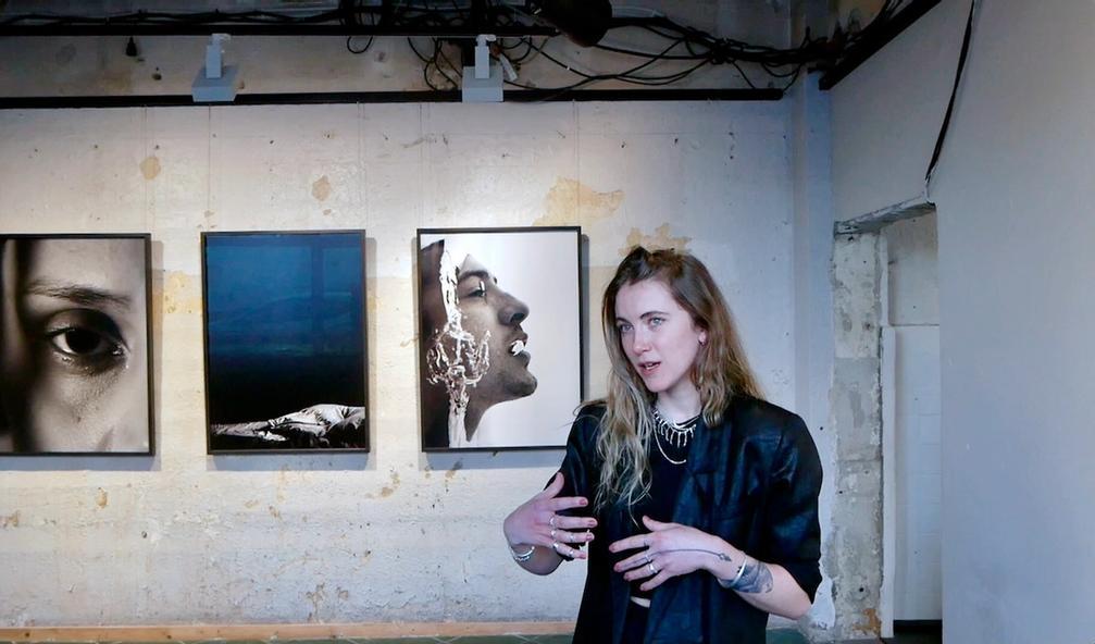Shoot Gallery og Pernille Sandberg utfordrer norsk ruspolitikk i samarbeid med Straff skader-kampanjen