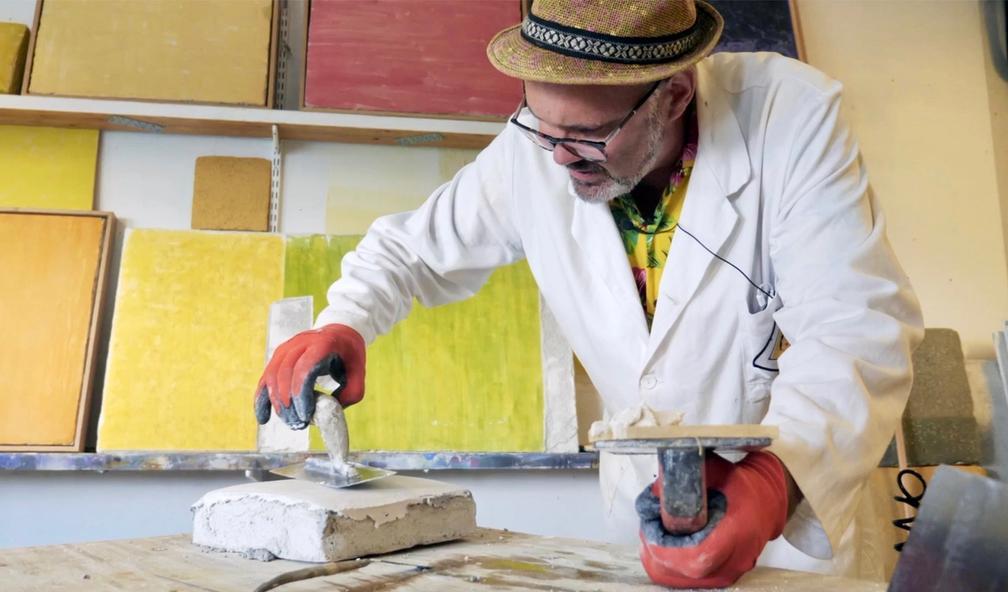 Bent Erik Myrvoll er en av nordens fremste på frescomaleri. Ålesund kunstscene 2/4