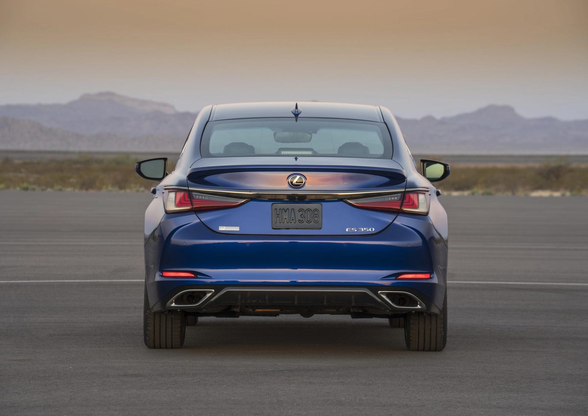 Lexus ES rear view